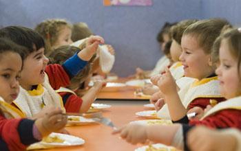 Escuela infantil en madrid trazos for Comedor infantil